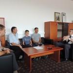 Srebreničkog heroja Damira Kavgića ugostio načelnik općine Srebrenik Nihad Omerović