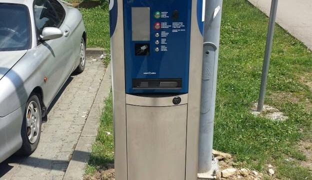 U Srebreniku postavljeni savremeni parking automati