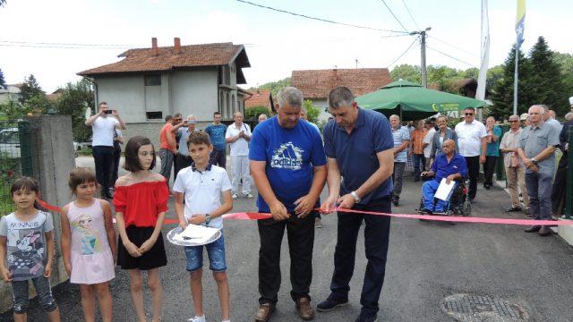 U Dubokom Potoku pušten u saobraćaj asvaltni put