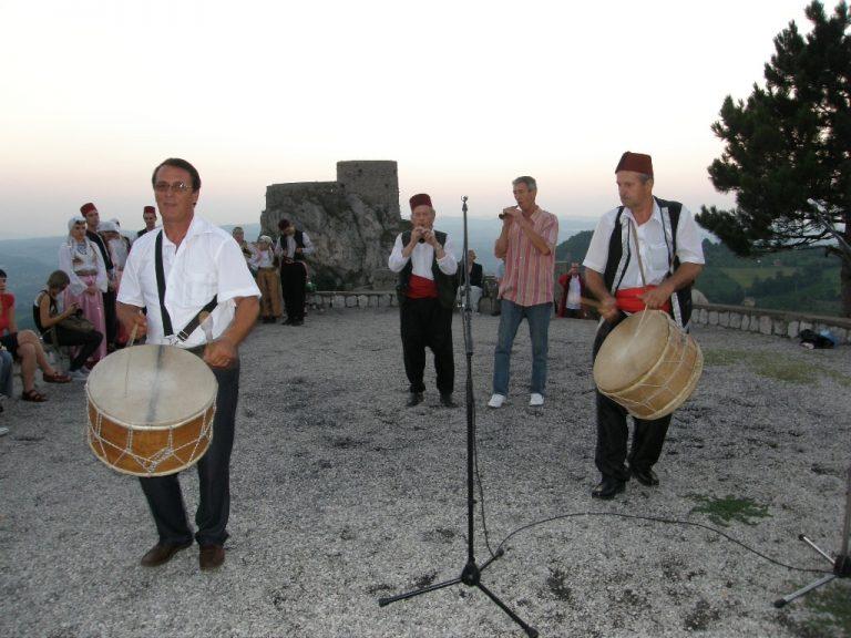 Nuraga Tursunović, jedan od najboljih izvođača izvorne muzike u TK