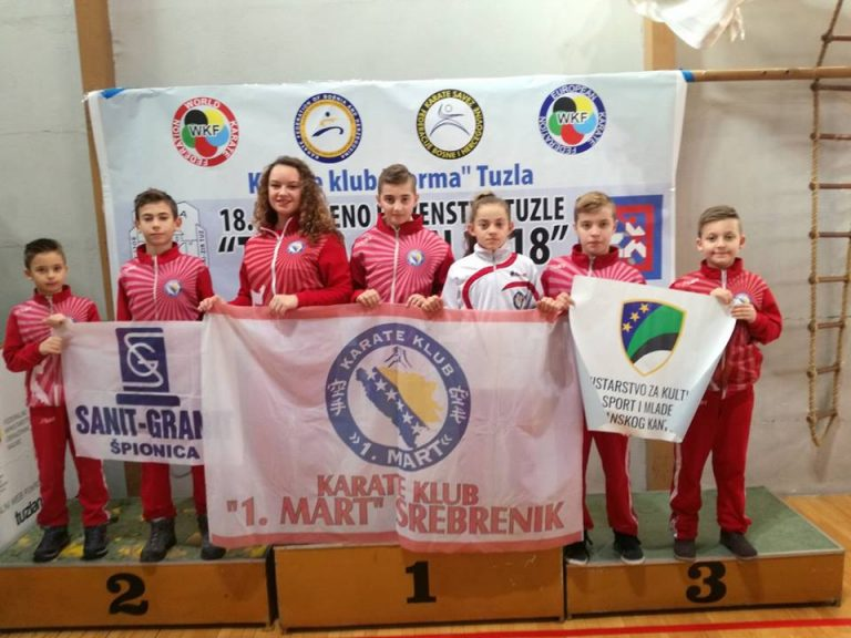 "Karate klub ""1. Mart"" Srebrenik osvojio 13 medalja u Tuzli"