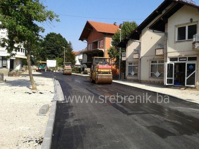 asfaltiranje puta pored nove opcine2