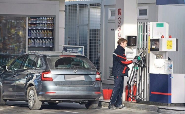 Danas odluka o mogućem povećanju akciza na gorivo, duhan i alkohol