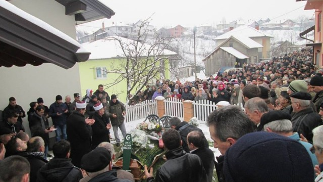 Jasmin Likić ukopan na mjesnom mezarju, Ljenobud do sada nije zapamtio takvu dženazu
