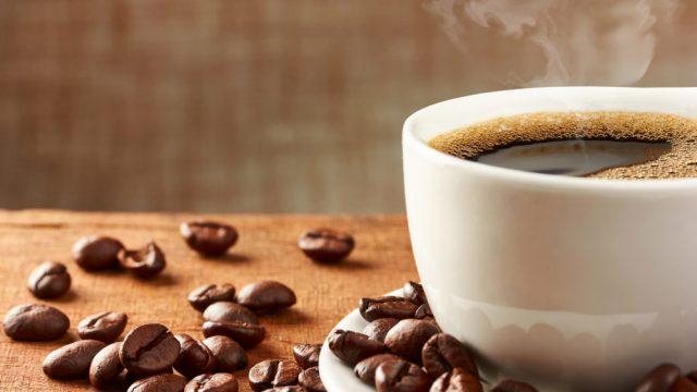 Neki od znakova koji ukazuju na ovisnost o kofeinu