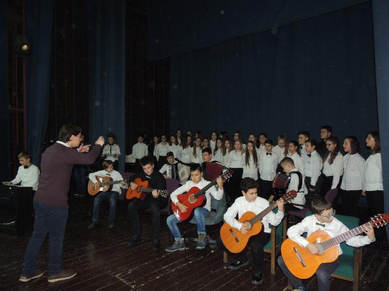 U Domu kulture u Srebreniku održan koncert Odjeljenja muzičke škole Prve OŠ