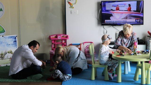 Lutrija BiH u posjeti Roditeljskoj kući Udruženja Srce za djecu oboljelu od raka