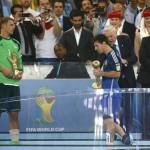 Messi najbolji igrač, Neuer golman, Rodriguezu Zlatna kopačka