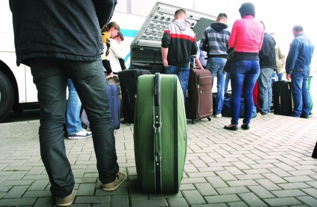 57 posto mladih želi otići iz BiH