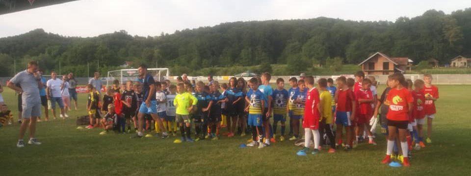 U Tinji održan turnir u malom nogometu - Takmičilo se preko 500 mladih talenata